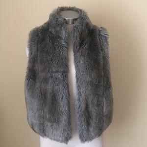 Pretty Elle faux fur vest